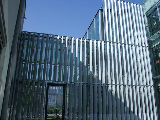 Glasdach und Glasfassade mit Stahlunterkonstruktion