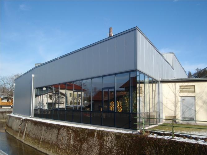 2 Vordächer, Pfosten-Riegelfassade, Fassadenunterkonstruktion